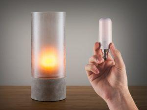 Liekehtivä LED-lamppu E27-kanta