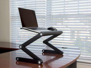 Adapt-A-Desk kokoontaitettava tietokonepöytä